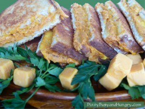 Cheddar-Pumpkin-Grilled-Cheese