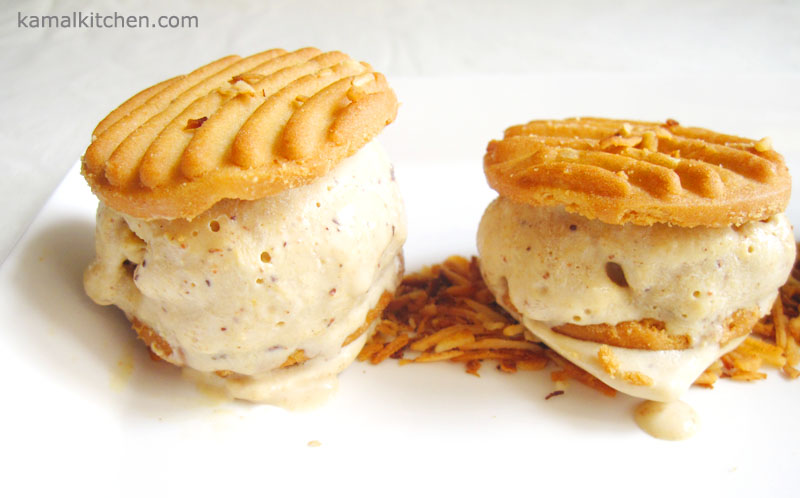 Pumpkin Ice Cream Sandwich – Autumn Recipe