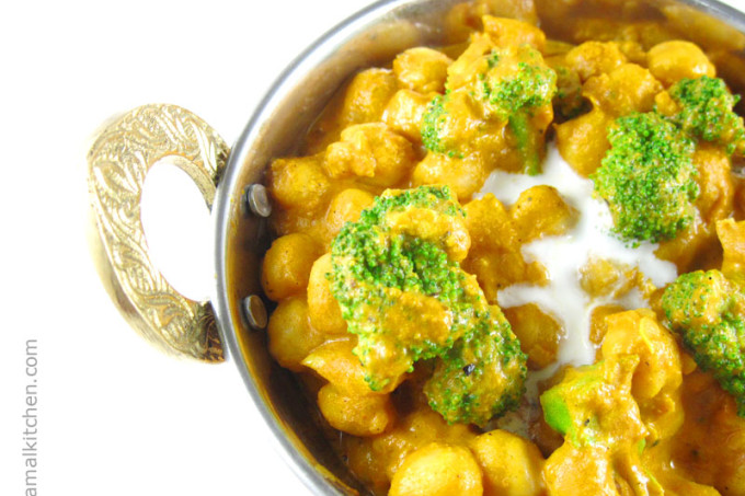 Chickpea Broccoli Curry – 15 Minute Recipe