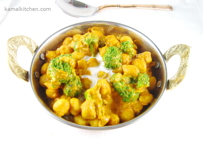Shortcut Chickpea & Broccoli Curry – 15 Minute Recipe